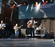 01_James-Evans-band