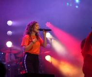 03_Hillsong-Young-and-Free