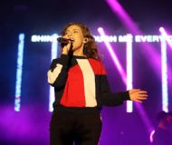 04_Hillsong-Young-and-Free