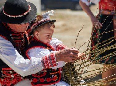 Slávnosť jari návštevníkom priblížila bohatstvo Spiša, nositeľom tradícií sa stala obec Čirč BOMBING