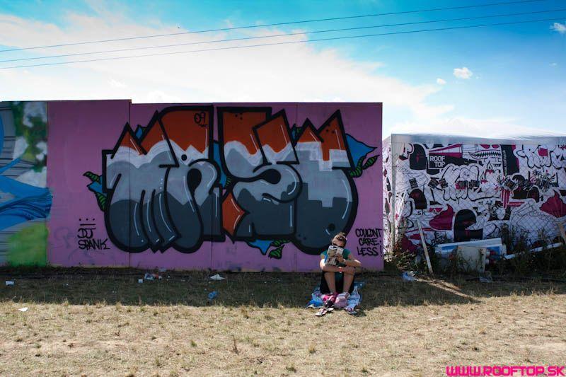 55 metrová graffiti stena na Toto Je Hip Hop 2010 Festivale! BOMBING