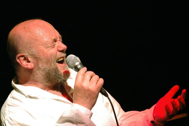 Peter Lipa spievať s Višegrad Blues band /VBB/ v Berline BOMBING