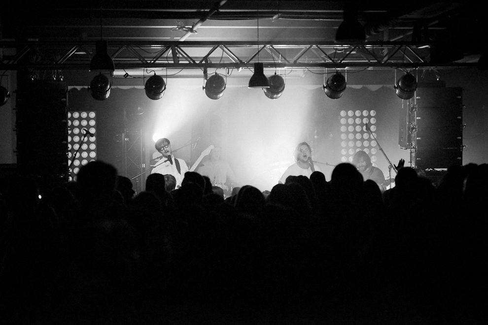 Hĺbavá Katarzia a živelný Billy Barman v Trnavskom Music a Café odohrali skvelé koncerty BOMBING 1