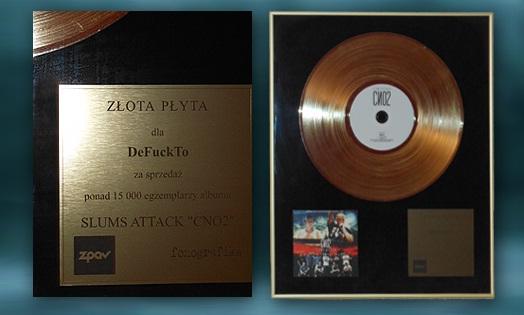 DeFuckTo mají zlatou desku za účast na Pejově albu BOMBING