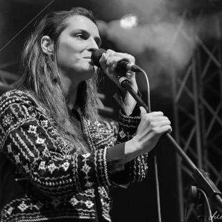 Jana Kirschner dnes vyráža na TOUR po celom Slovensku - Moruša Čierna Tour 2015. BOMBING 1