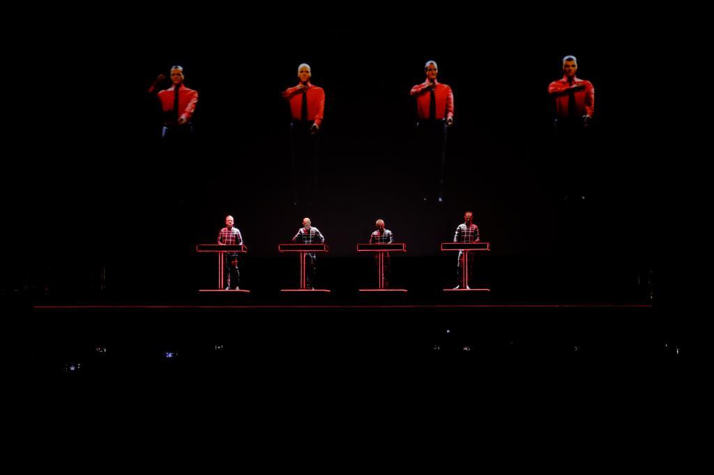Kraftwerk predviedol úžasnú 3D šou BOMBING 2