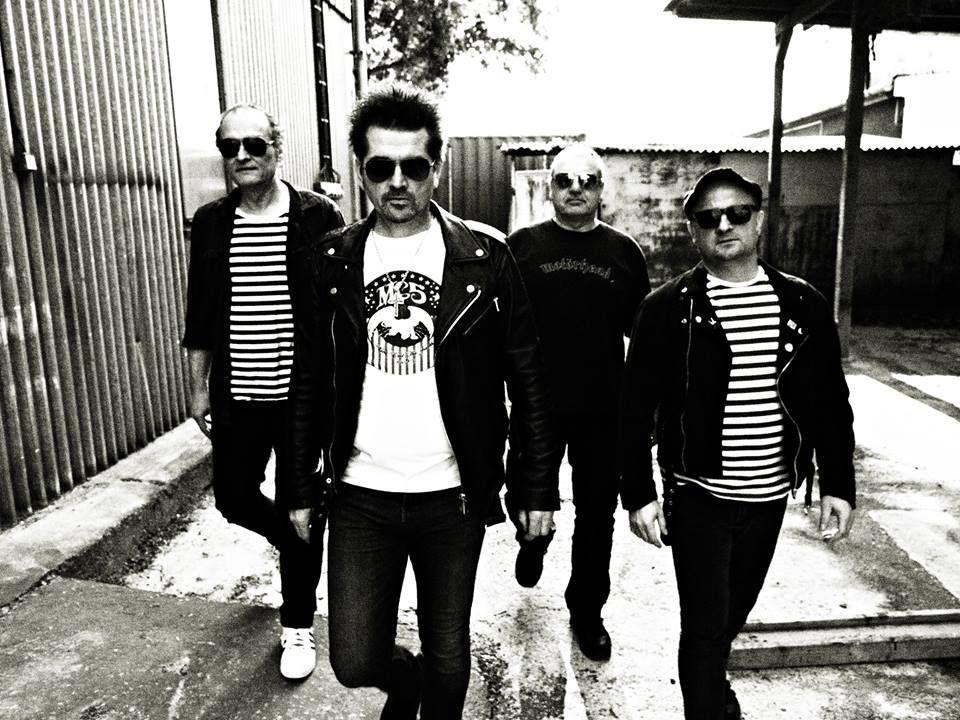 """Legendárna punk & rockandrollová kapela EXTIP opráši naživo svoj kultový album """"PEKNÝ, ŠKAREDÝ DEŇ"""", vyráža s ním na TURNÉ! BOMBING 7"""