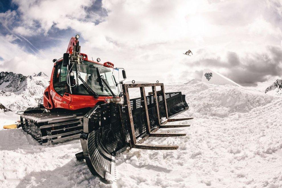 Že nepoznáš Spots? Jednu z najzaujímavejších akcií tejto zimy bude hostiť legendárna lanovka v srdci Tatier. BOMBING 3