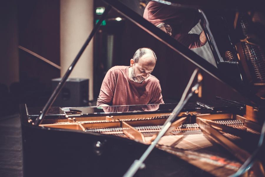 Taliansky klavirista Fabrizio Paterlini vystúpi už vutorok vSlovenskom rozhlase! BOMBING