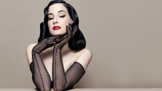Feature Dita Von Teese 1600x856