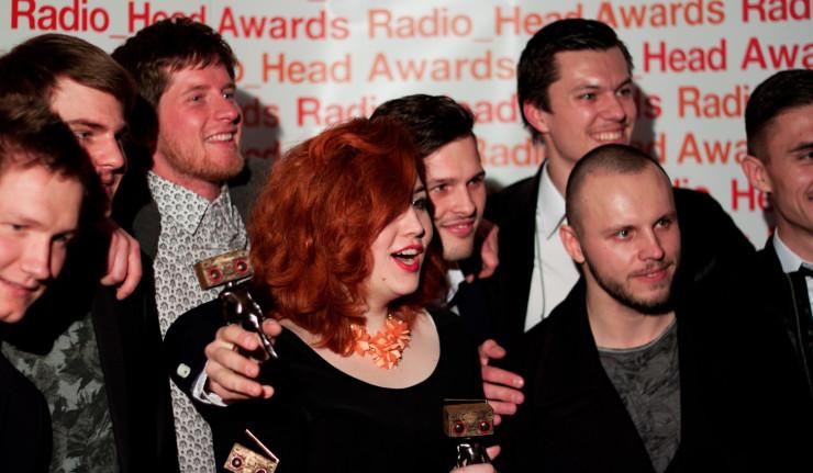 Rádio_FM a Rádio Devín spustili hlasovanie v 1. kole Radio_Head Awards 2015 BOMBING 6
