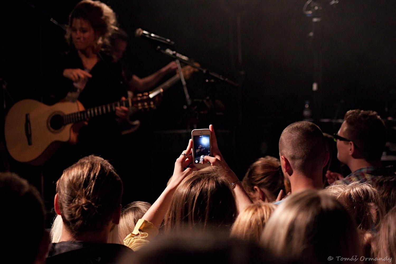 Selah Sue bola očarujúca, fanúšikovia boli crazy... - fotoreport BOMBING