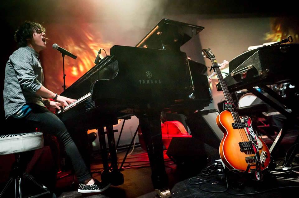 Na bratislavský koncert Jamieho Culluma sa chystá Richard Müller, Tina i Katka Koščová BOMBING 1