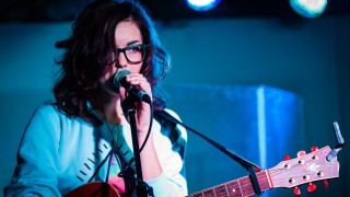 Martina Javor bude predskakovať francúzskej speváčke ZAZ BOMBING 2