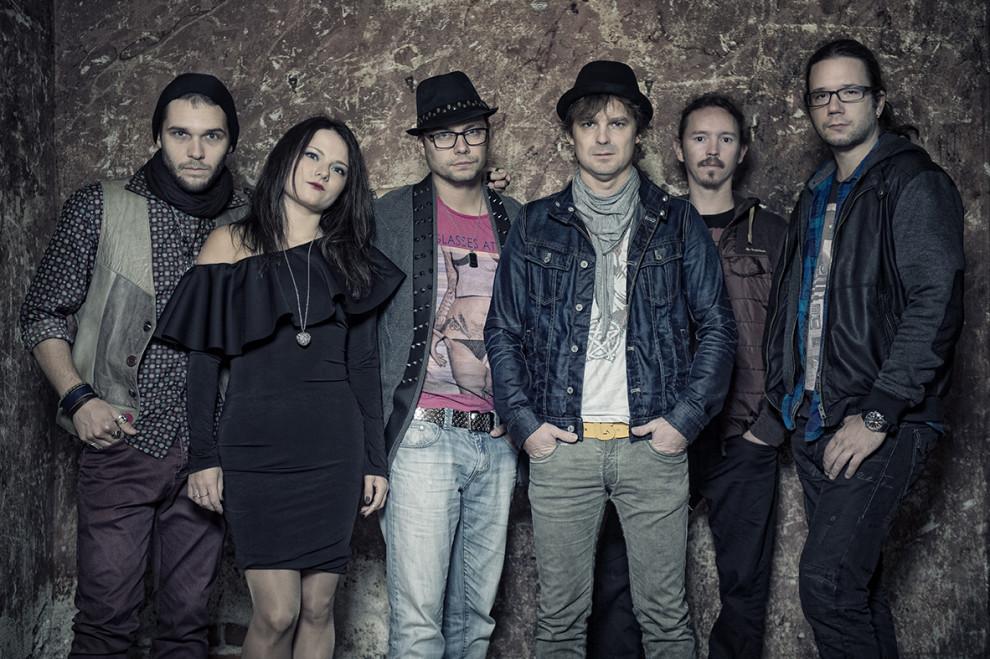 Kapela Peter Bič Project vydala videoklip k piesni Just a story. BOMBING