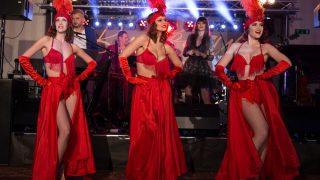 The Risque Reveals trio z Bratislava Burlesque
