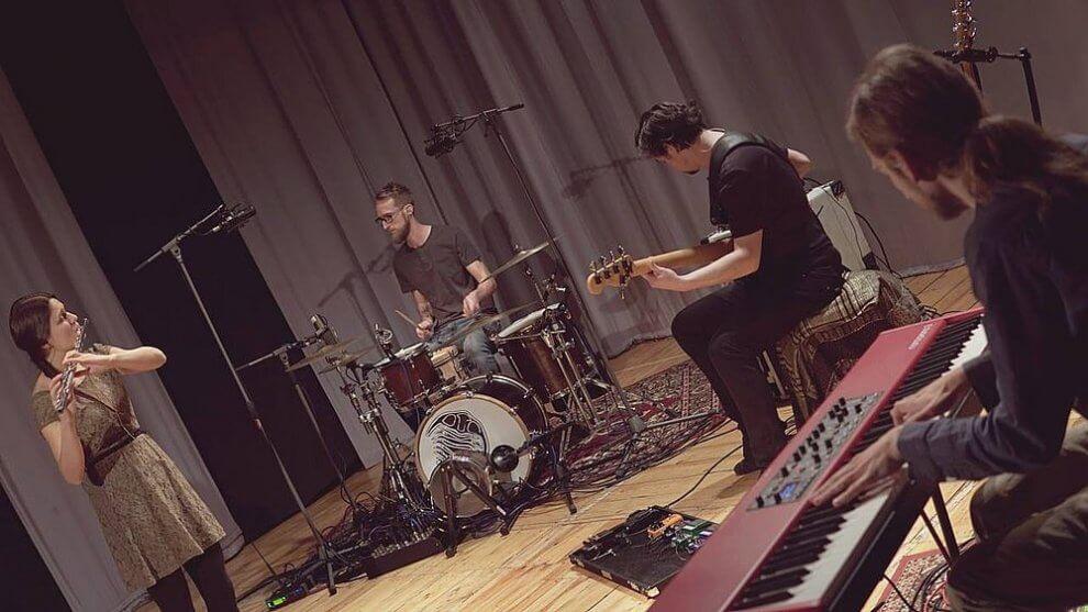 Trilobeat band