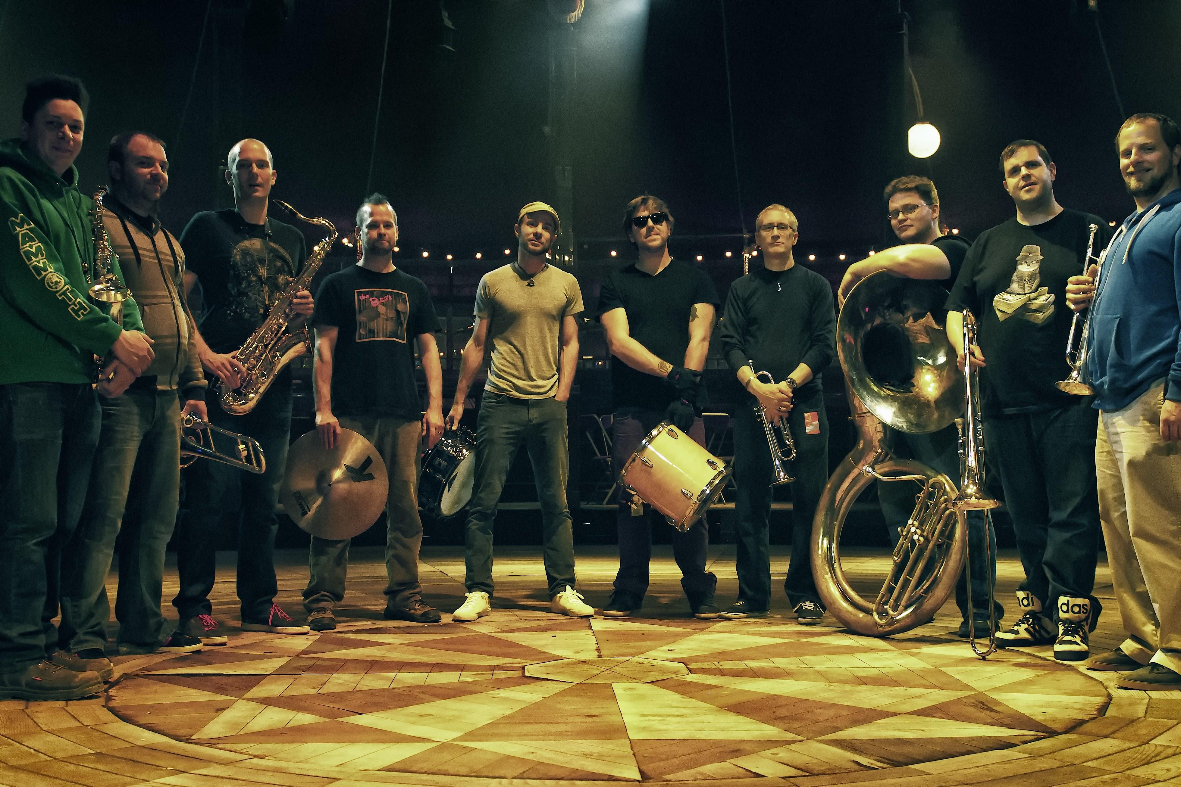 Youngblood Brass Band, midwestská odpoveď na The Roots, vystúpi už v utorok v Bratislave BOMBING