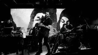 Album False Beacon od skupiny Autumnist narušil ich pravidelný interval vydávania albumov BOMBING 2