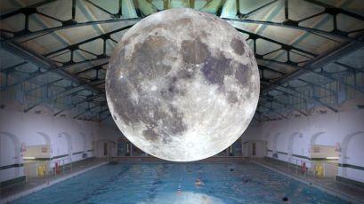 Luke Jerram_Múzeum Mesiaca2_Medická záhrada