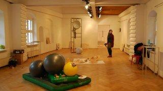 Vernisáž výstavy Evy Masarykovej Kto opravuje už zajtra BOMBING 1