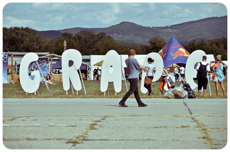 Tri prosté dôvody jedinečnosti...  GRAPE festival 2012 BOMBING