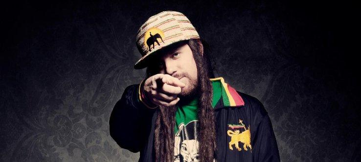 Reggae spevák zo slnečnej Kalifornie sa vracia na Uprising BOMBING