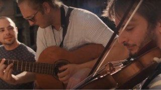 N3O Akustika: Vnovom klipe prináša závan Azúrového pobrežia aj romantiku Benátok BOMBING