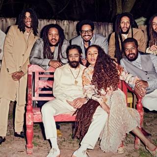 Rodina Boba Marleyho pokope! BOMBING