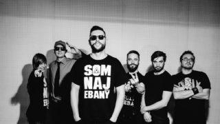 Nový album Smola a Hrušky – Čiernobiely je plný farieb BOMBING 2