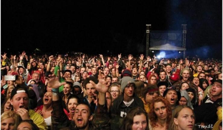 Shaggy a Chronixx natočili videoklip Bridges na festivale UPRISING BOMBING 1
