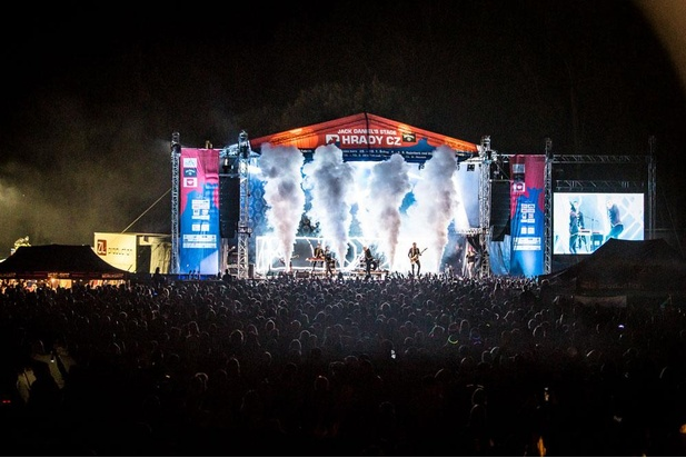 Festival Slovenské hrady už v sobotu prinesie hudobné hviezdy na Červený Kameň BOMBING 7